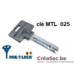 clé Mul-T-Lock 025 à tête noire